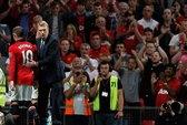 Chờ Rooney trị Liverpool