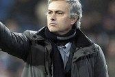 Tung cước vào người hâm mộ, Mourinho bị kiện
