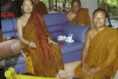 """Thái Lan tịch thu 2 """"siêu xe"""" của nhà sư"""