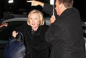 Bà Clinton bị phạt ở Anh
