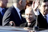 Chuyện gì xảy ra với cái lưng của Tổng thống Putin?