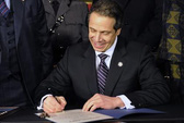 New York ban hành luật kiểm soát súng đầu tiên ở Mỹ