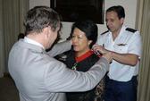 Pháp tặng bà Tôn Nữ Thị Ninh Huân chương Bắc đẩu Bội tinh
