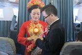 Doanh nhân Việt rước dâu bằng máy bay ngày giáp Tết