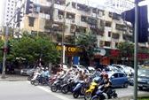 Hà Nội: Chờ đèn đỏ… nghe luật giao thông