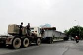 Hà Nội: Sập thanh dầm thép dài 60 m cầu vượt Nguyễn Chí Thanh
