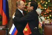 Nồng thắm những cái ôm Việt - Nga