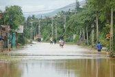 4 người chết, 13 mất tích do bão lũ