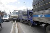 Mất thắng, xe tải gây tai nạn liên hoàn