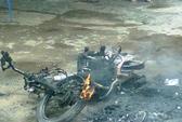 Đốt rụi xe máy vì ghen