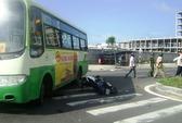 Say rượu, tông xe buýt trước cổng bệnh viện