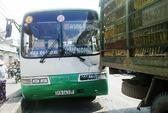 Mất thắng, xe buýt gây tai nạn dây chuyền