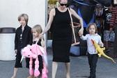 Angelina Jolie tất bật chuẩn bị cho ngày Halloween