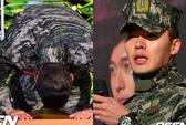 """Hyun Bin quỳ cảm ơn """"fan"""" ngày xuất ngũ"""