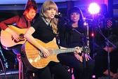 Taylor Swift bị kiện đòi lại cát-sê gần 40 tỉ đồng