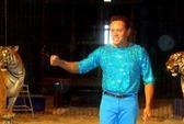 Nghệ sĩ xiếc bị hổ quật chết trên sân khấu