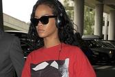 """Cấm một """"fan cuồng"""" đến gần Rihanna trong 3 năm"""