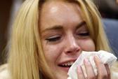 Lindsay Lohan khóc ròng, thẳng tiến trại cai nghiện