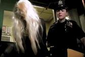"""Amanda Bynes bị """"còng tay"""" vì hủy diệt chứng cứ"""