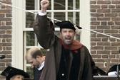 Ben Affleck hạnh phúc nhận bằng tiến sĩ danh dự