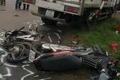 Xe tải đâm xe máy, 6 người chết