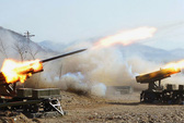 """Triều Tiên """"tân trang"""" bệ phóng rocket dọc biên giới"""
