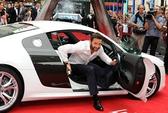 """Người sói Hugh Jackman """"cưỡi"""" Audi lên thảm đỏ"""