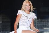 Beyonce bị la ó vì diễn trễ 20 phút
