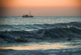 Tàu cá Triều Tiên được Hàn Quốc cứu, trao trả