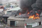 Cháy nhà tạm dành cho công nhân, 4 người bị thương