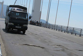 Te tua mặt cầu dây võng dài nhất Việt Nam