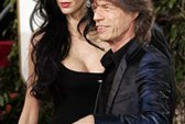 Một kẻ đóng giả ca sĩ Mick Jagger lừa một hộp đêm ở New York