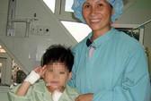Cứu sống cháu bé bị bệnh hiểm nghèo bằng ECMO