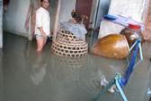 Nhà dân lại ngập nước