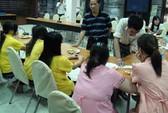 Các cô gái đẻ thuê sinh con tại Thái Lan