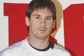 Messi lại vượt qua Ronaldo