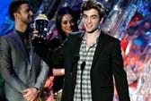 Robert Pattinson không đối thủ