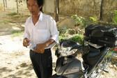Thí sinh 61 tuổi bán buồng chuối lấy tiền thi ĐH
