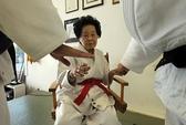 Cụ bà 98 tuổi giành đai đen 10 đẳng Judo