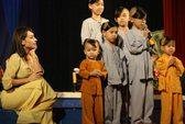 Phi Nhung hạnh phúc với…13 đứa con