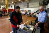 Người Mỹ bắt đầu bỏ phiếu bầu tổng thống