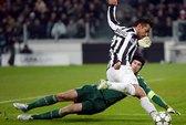 Đương kim vô địch Chelsea gục ngã tại Turin