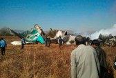 Hạ cánh nhầm chỗ, máy bay tông chết người đi xe máy