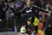 Ronaldo sẽ bỏ Real nếu không được đối xử như Messi