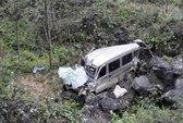 Trung Quốc: Xe buýt lao vực, 10 người chết