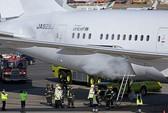 Siêu máy bay Boeing 787 Dreamliner liên tục bốc cháy