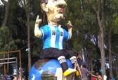 Người Argentina đốt hình nộm Messi cầu may