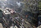 """Ấn Độ: Cháy chợ """"chui"""", 19 người chết"""