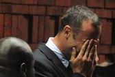 Pistorius bật khóc tại tòa