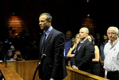 Pistorius thắng thế, công tố viên bẽ mặt